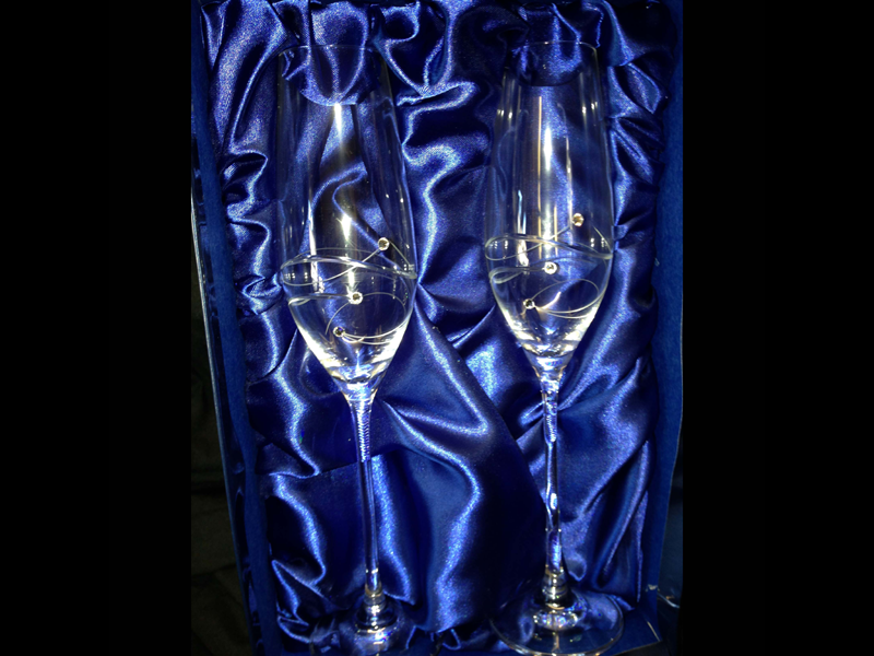 Pair of diamante champagne flutes, perfect for an anniversary gift.